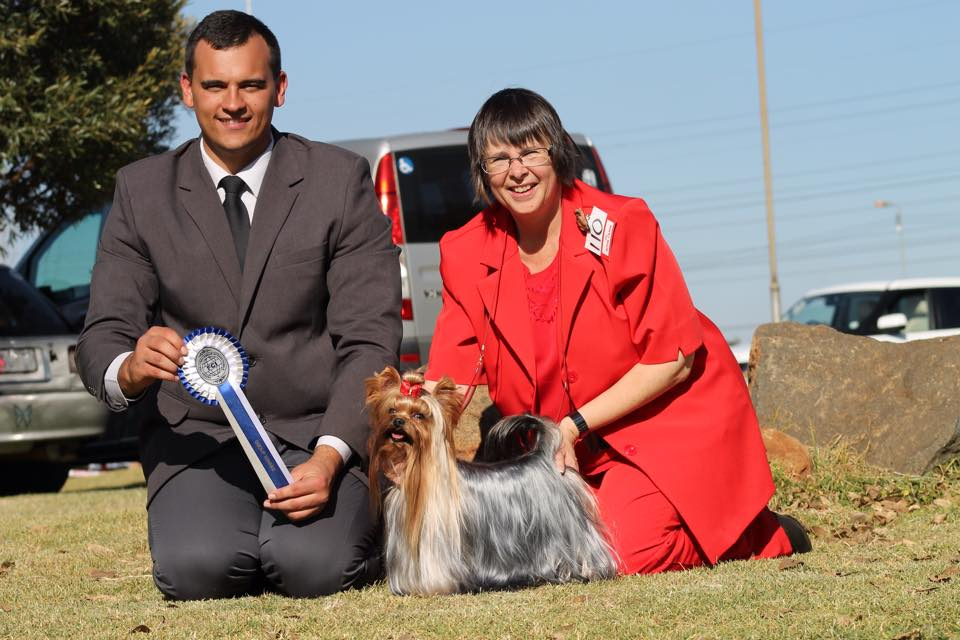 NTKC FCI show Terrier Group winner Judge Rion van der Linde